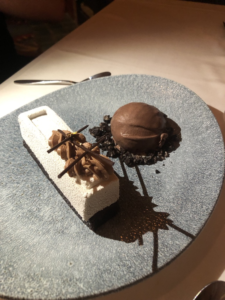 Dining Review: Yachtsman Steakhouse
